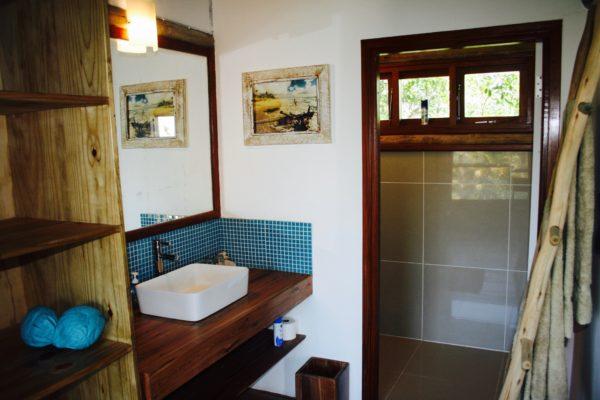 Travessia-Beach-Lodge-Mozambique-Casa-Tartaruga-Bathroom